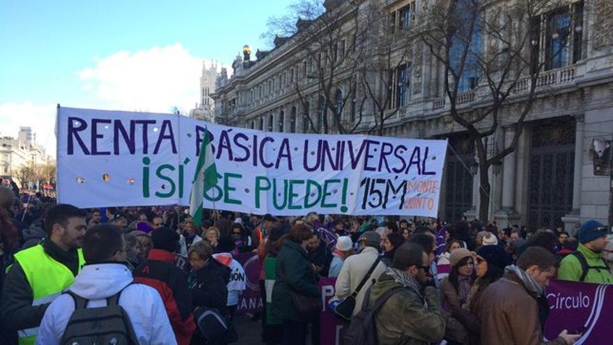 Manifestación ciudadana en demanda de una renta básica de ciudadanía.