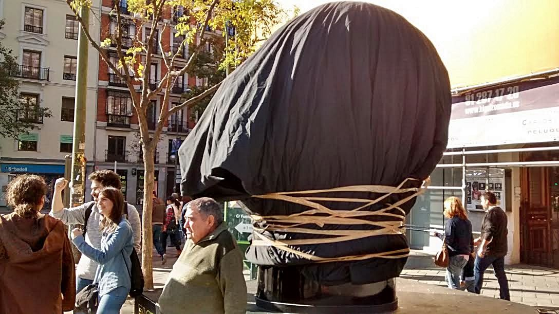 casco darth vader envuelto madrid