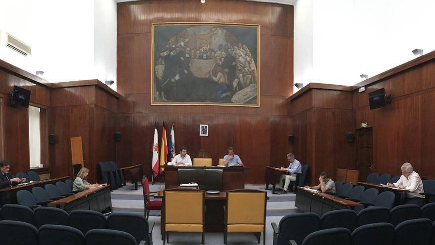 El Ayuntamiento recibe más de 600 solicitudes para las ayudas a pymes y autónomos