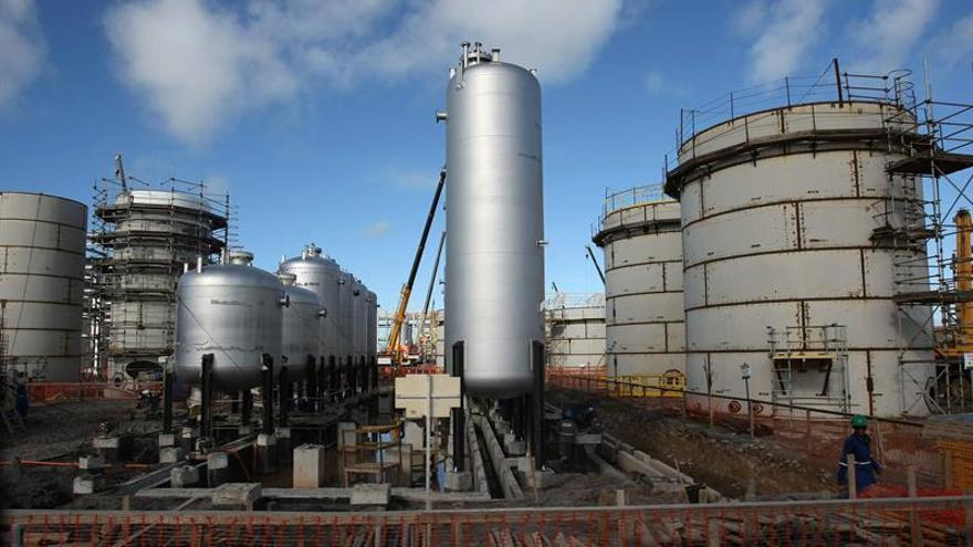 El petróleo de Texas abre con un alza del 1,15 % hasta 48,28 dólares
