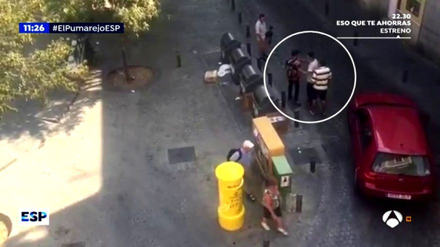Amenazan a un equipo de Espejo Público en un conflictivo barrio de Sevilla