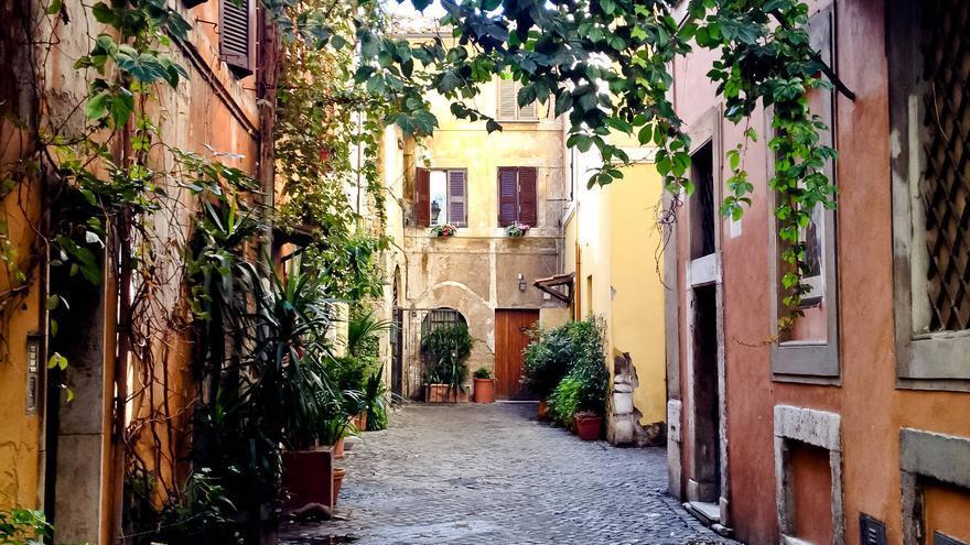 Callejón del Trastevere, barrio medieval de la ciudad de Roma.