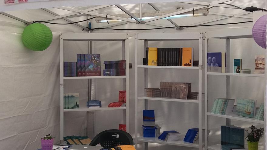 Stand de Cartas Diferentes en la Feria del Libro de Las Palmas de Gran Canaria.
