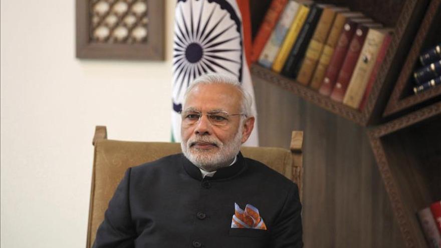 Modi y su homólogo nepalí tratan su relación, en la tensión por el bloqueo fronterizo