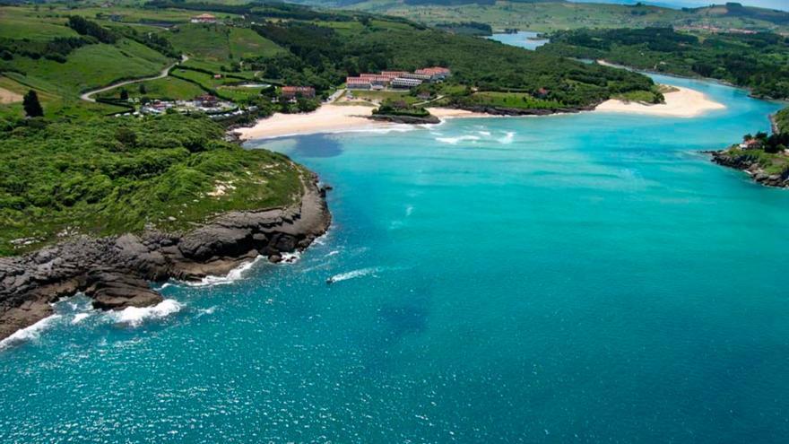 Una de las playas del municipio de Arnuero del estudio.