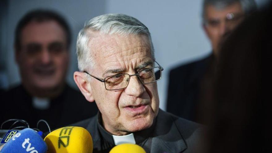Lombardi elogia del papa Francisco su carisma de comunicador por su cercanía