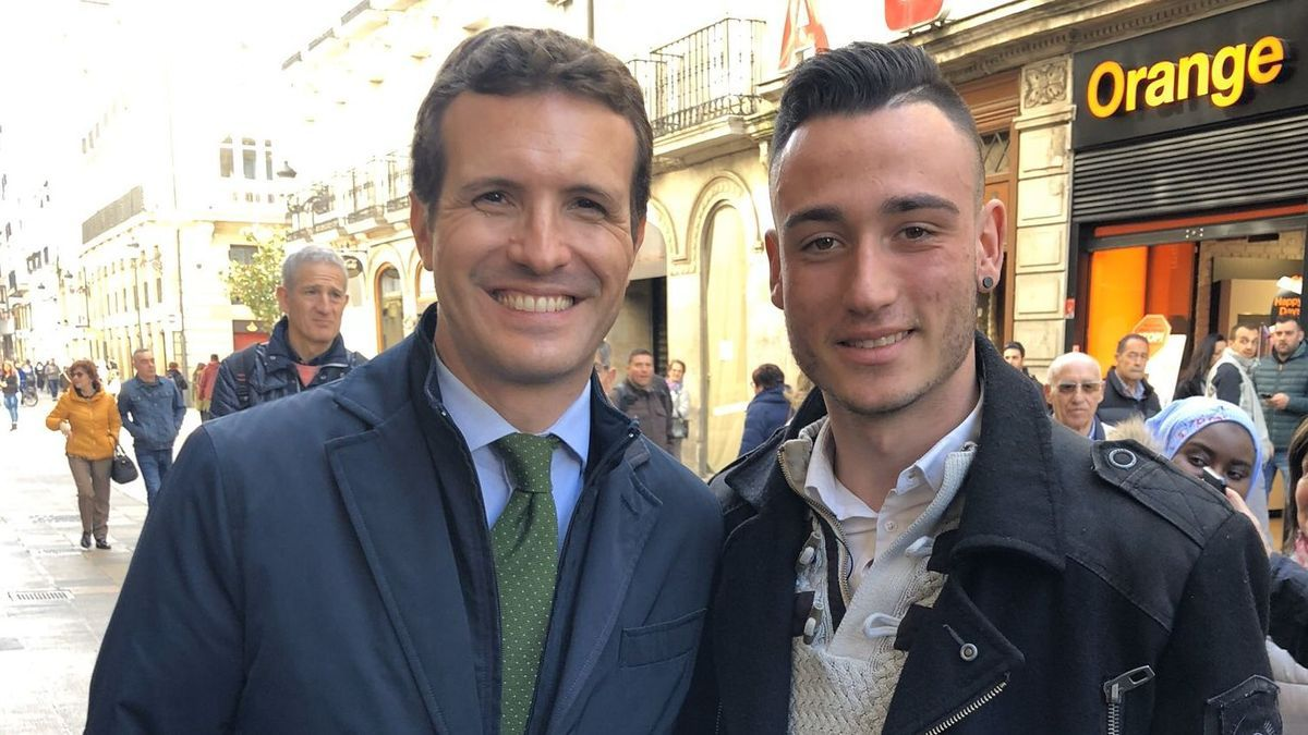 Ander García Oñate, con Pablo Casado
