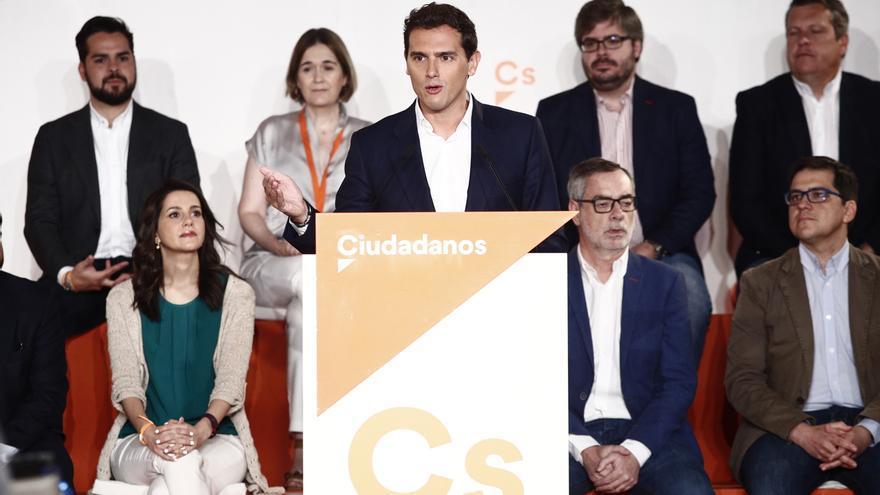 Rivera traslada a Torres su preocupación por los desalojados y por el impacto ecológico del incendio en Gran Canaria