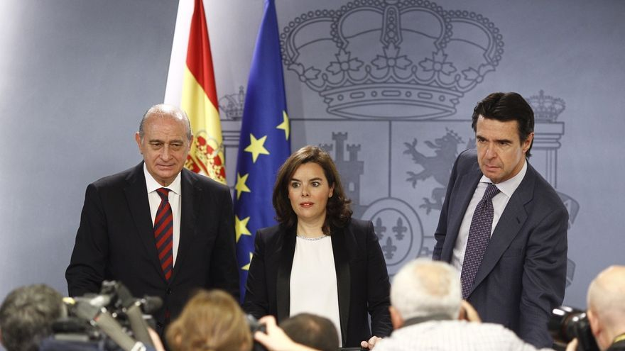 El Gobierno apunta que los diputados catalanes pueden ir al TC si la Mesa admite a trámite la resolución de ruptura