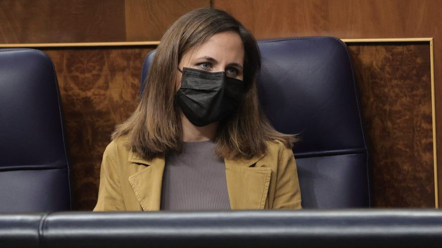 La ministra de Derechos Sociales, Ione Belarra, en una sesión plenaria en el Congreso de los Diputados, a 28 de septiembre de 2021, en Madrid, (España).