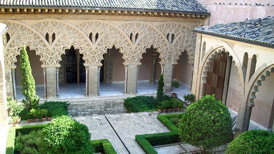 Aljafería de Zaragoza, Monumentos islámicos en España