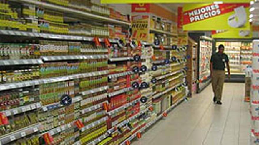 Pasillo de un supermercado. (EFE)