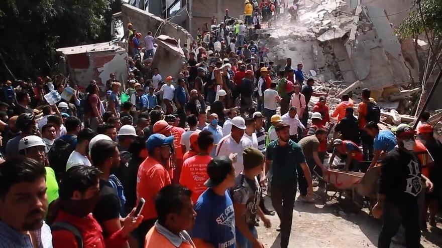España prepara el envío a México de medios especializados en desescombro y localización de personas tras el terremoto