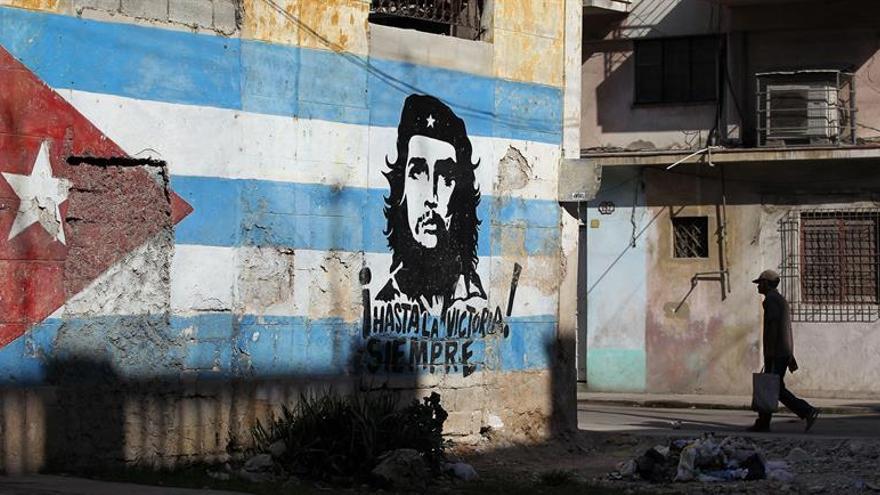 """Cuba celebra los 90 años del Che Guevara, el """"insuperable"""" revolucionario"""