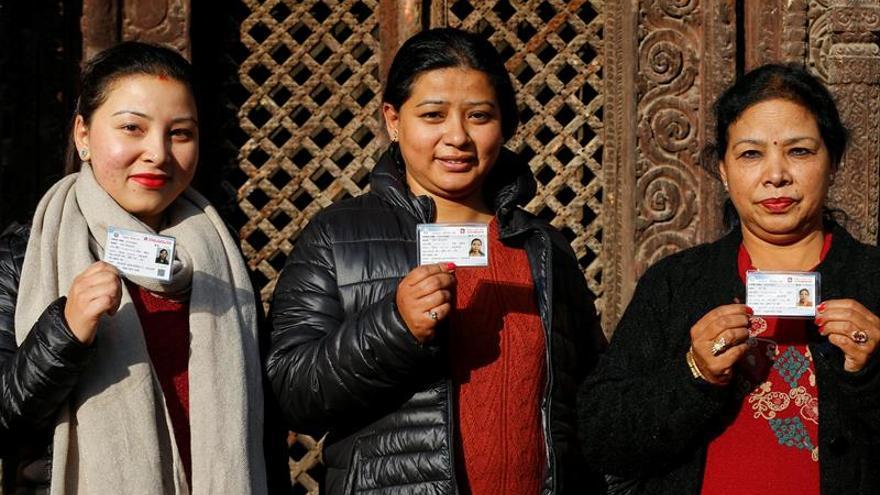 Nepal vota en calma en la última fase de las elecciones generales