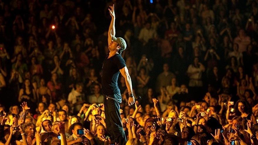 Santander comienza los preparativos para el concierto de Enrique Iglesias