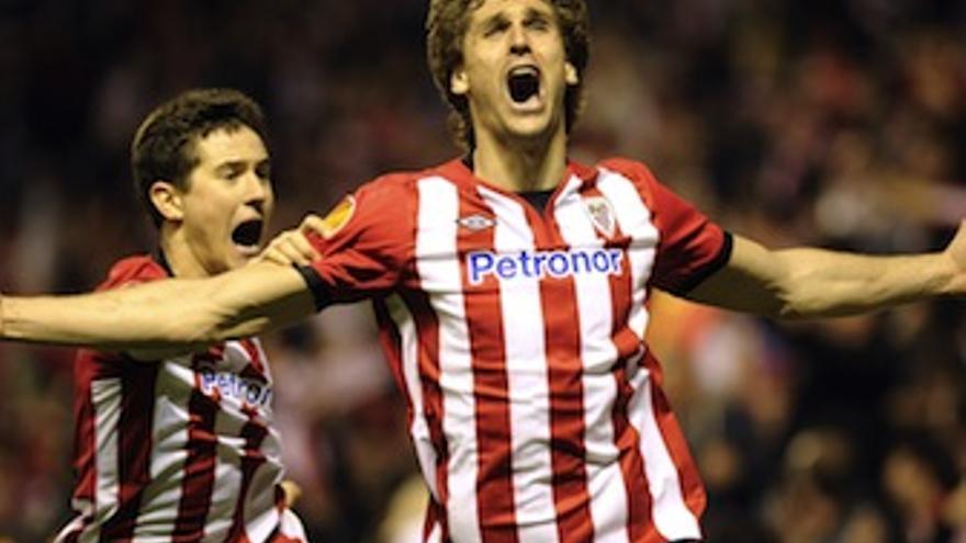 Ander corre con Llorente tras el definitivo 3-1. (uefa.com)