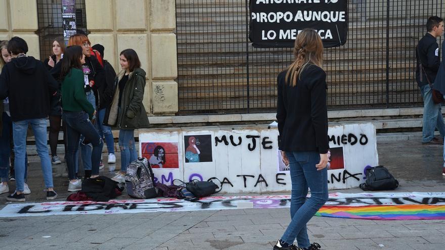 Concentración estudiantil. Huelga Feminista 8M Murcia (02)