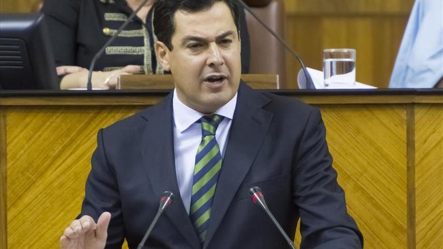"""Juanma Moreno pide celeridad judicial para evitar la """"pena de banquillo"""""""