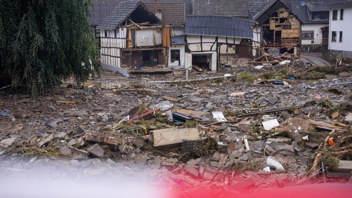 Escombros en Ban Neuenahr Ahrweiler, Renania-Palatinado, tras las inundaciones de julio.