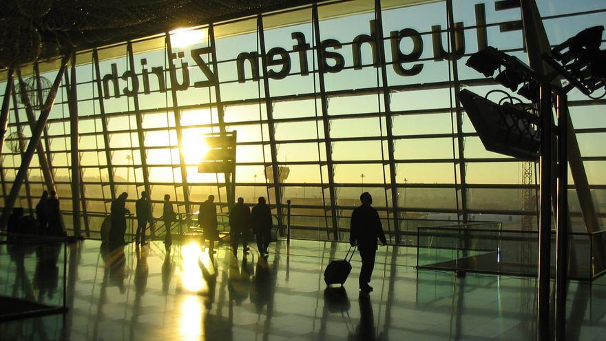 Interior del aeropuerto de Zúrich