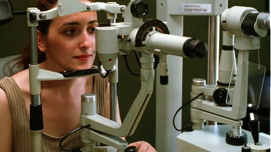 La OMS vincula miopía y sedentarismo, pero no se atreve aún con las pantallas