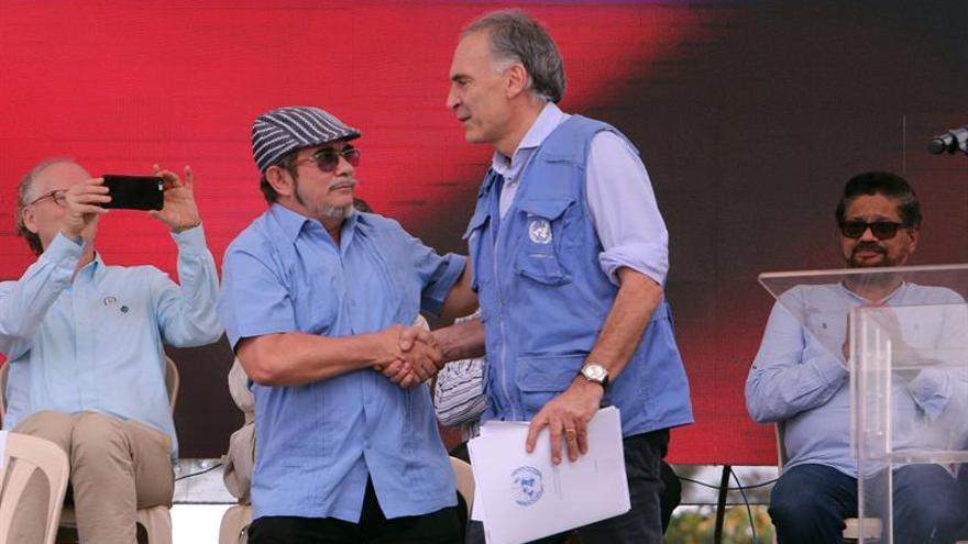 """Las FARC aseguran que la evolución de la salud de """"Timochenko"""" avanza """"positivamente"""""""