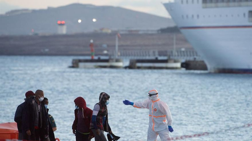 Canarias vuelve a reclamar la ayuda del Gobierno para gestionar la crisis migratoria
