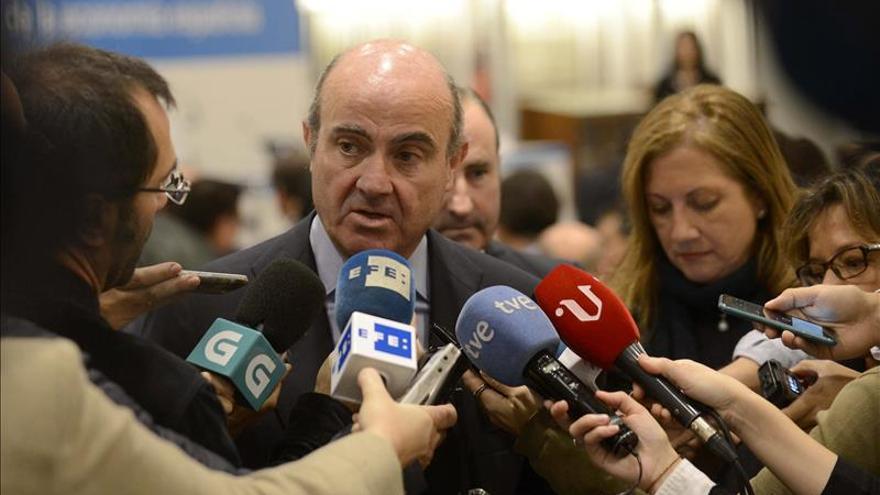 """De Guindos asegura que la """"ensoñación"""" catalana es un """"callejón sin salida"""""""
