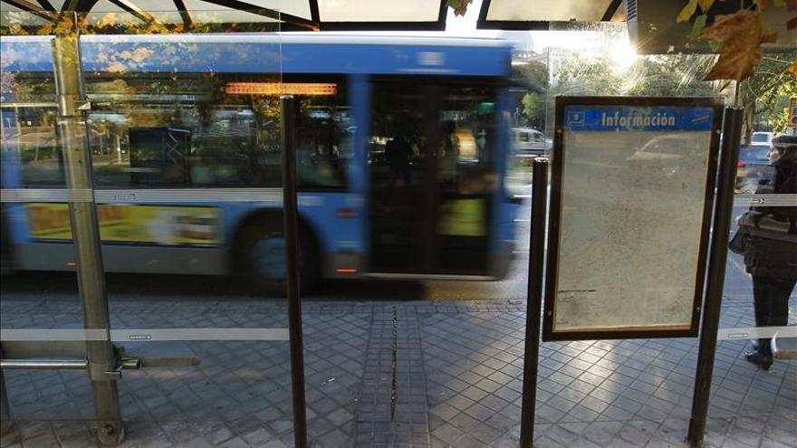 El número de viajeros en autobuses urbanos cae en todas las comunidades en marzo