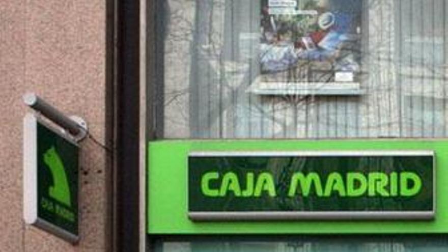 """Caja Madrid alerta de que los Presupuestos para 2010 son """"excesivamente optimistas"""""""