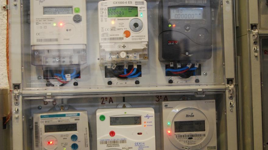 Las eléctricas recurren la resolución sobre la nueva factura por horas de la luz