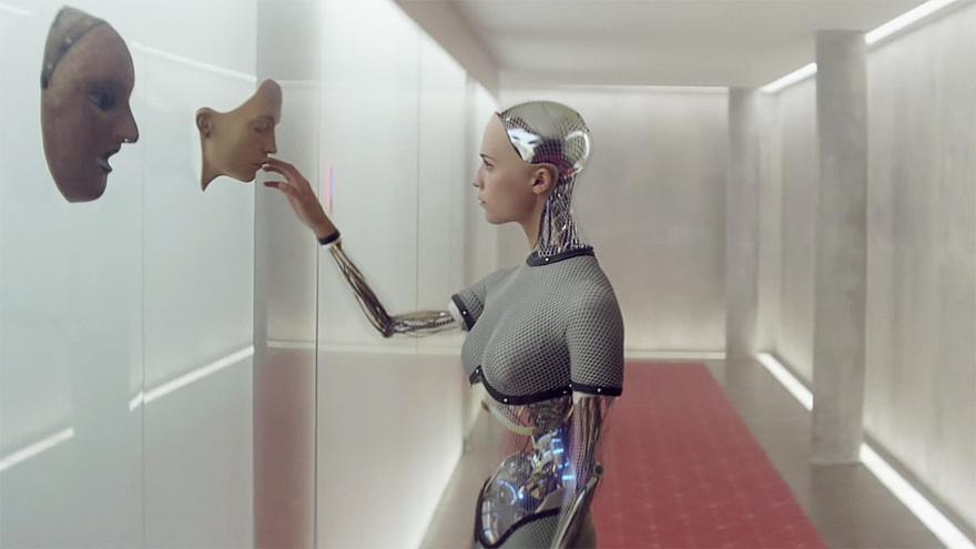 Fotograma de la película 'Ex Machina'