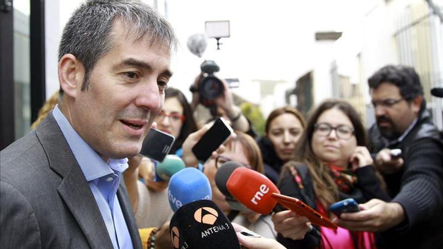 Coalición Canaria gana en escaños en el Parlamento canario, en el que entra Podemos, con el 20,39%