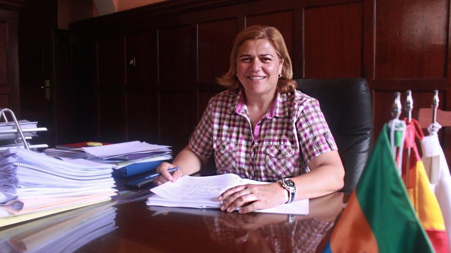 La alcaldesa llanense, Noelia García, en su despacho. Foto: CLAUDIA PAIS