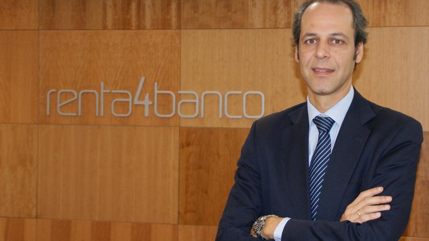 Javier Galán, en la oficina tinerfeña de Renta 4 Banco