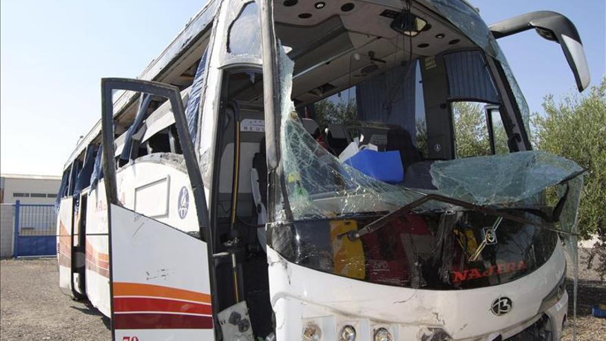 Se eleva a 50 el numero de heridos en el accidente de un autobús en la A-4