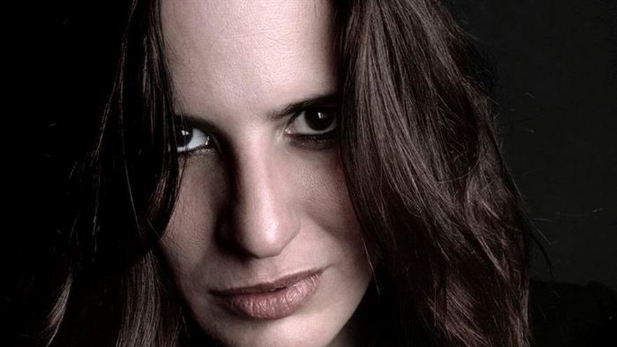 """La cantautora Rebeca Jiménez, a conquistar América y """"recintos más grandes"""""""