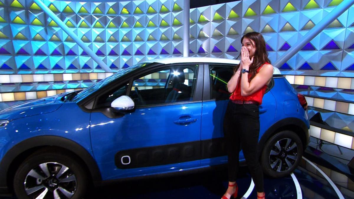 Marta gana el coche de 'La Ruleta'