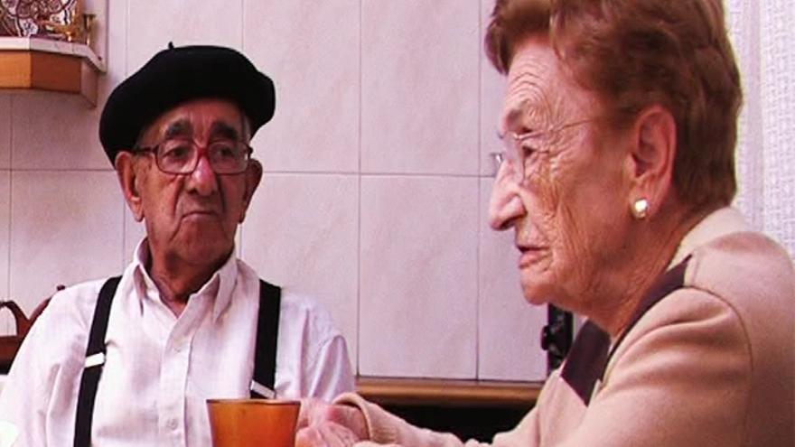 El padre y la madre de Cisneros, Ausen y y Fulgen, coprotagonistas del documental.