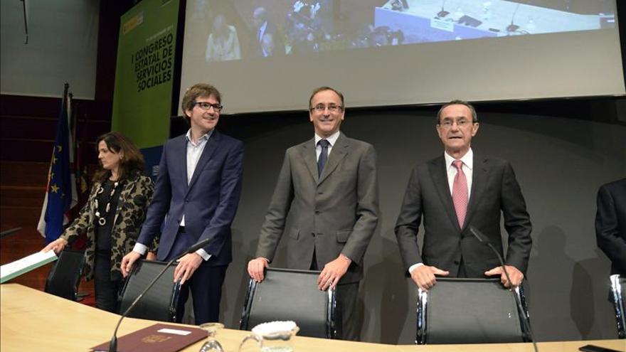 Alfonso Alonso pide apartar los servicios sociales del enfrentamiento político