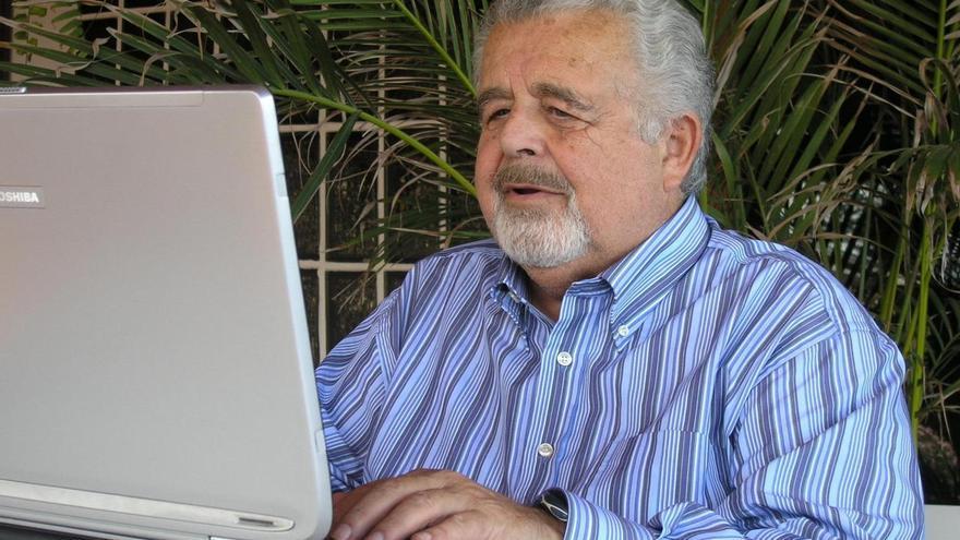 Fallece el escritor y periodista canario Carlos Guillermo Domínguez Hernández
