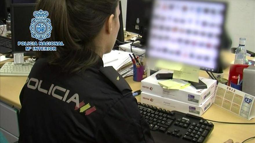 La Policía alerta de nuevos fraudes y timos a través de las redes sociales