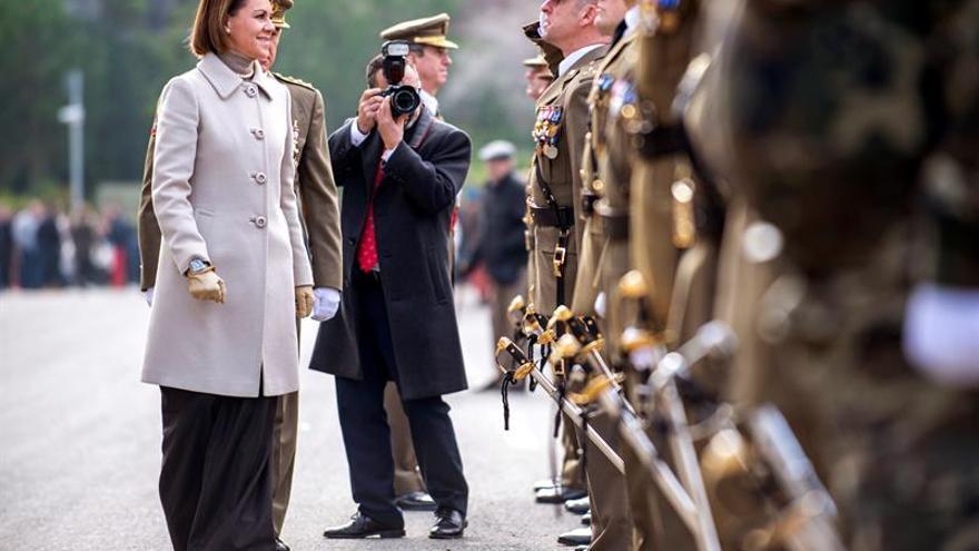 Cospedal anima a civiles y militares a difundir la labor esencial de las Fuerzas Armadas