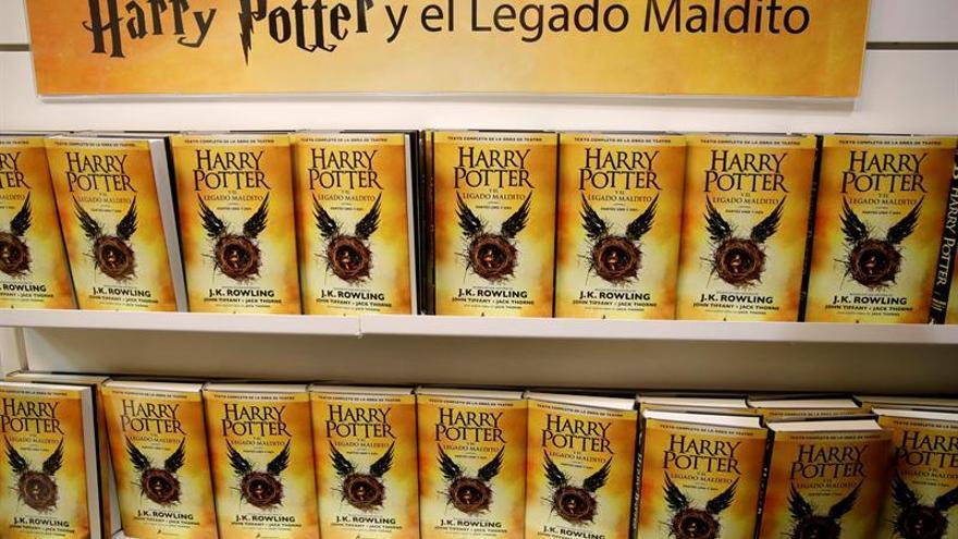 Harry Potter resiste como el libro más vendido aunque cede posiciones
