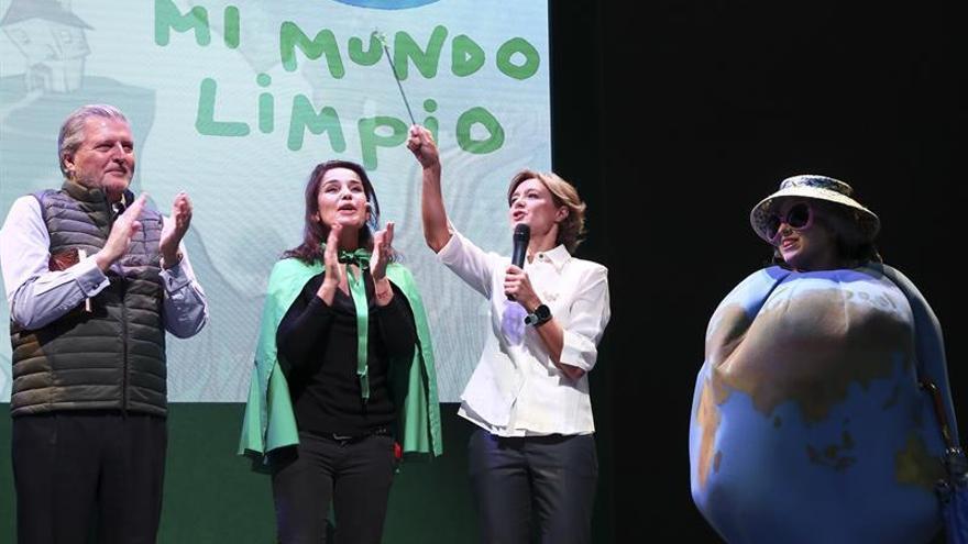 Tejerina y Méndez de Vigo escenifican su compromiso ante el cambio climático