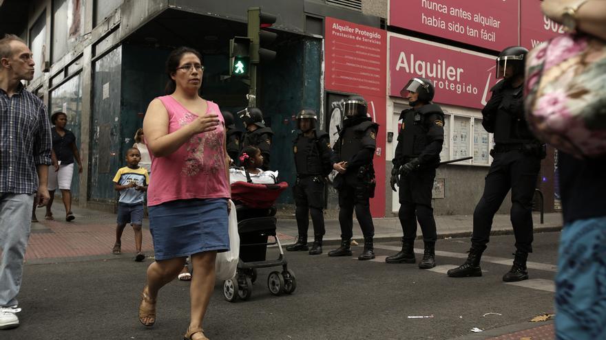 Los vecinos de un barrio interracial como Tetuán rechazan el proyecto de comedor social para españoles del centro ocupado.
