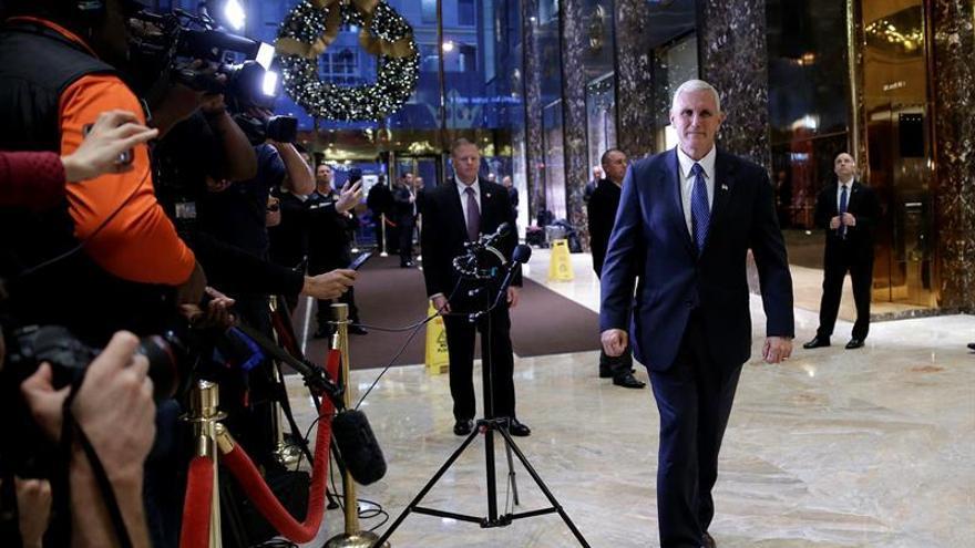 Trump confirma la elección de Mnuchin para el Tesoro y Ross para Comercio