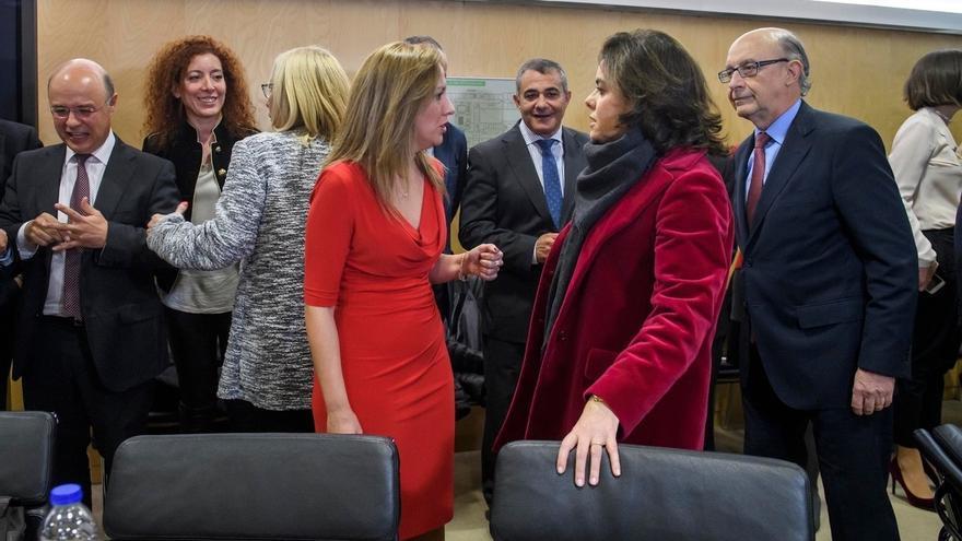 Montoro se reúne este jueves con Coalición Canaria para negociar su apoyo al techo de gasto