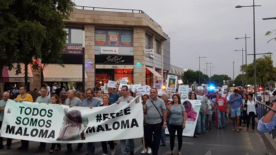 """Nueva manifestación en Mairena en apoyo a la familia adoptiva de Maloma y su padre mantiene la """"lucha"""""""